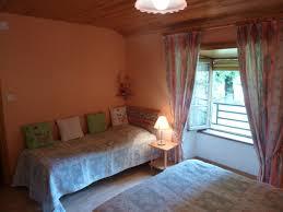 chambres d hotes chaudes aigues chambres d hotes mme rieutort hébergements locatifs chaudes aigues