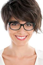 womans hairstyles for small faces hairstyle ideas for a small forehead and glasses women hairstyles