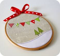 embroidered christmas best 25 christmas embroidery ideas on christmas