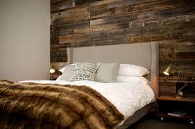 d orer une chambre adulte bois de grange dans une chambre chambre grange