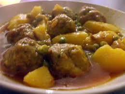 cuisiner des boulettes de viande recette de guisado d albondigas râgout de p d terre p pois