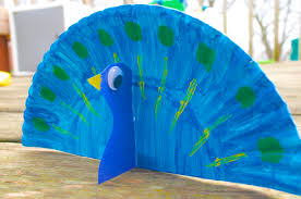 peacock animal paper plate craft for kids with book choices