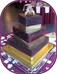 the 25 best gold square wedding cakes ideas on pinterest gold