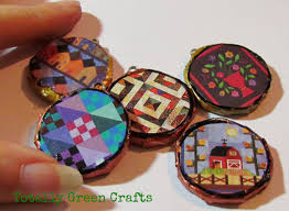 round pendants from newspapers recycled crafts paper crafts