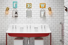 4 warm metal fixture ideas to brighten up your bathroom