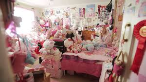 Hello Kitty Bedroom Set Rooms To Go This Woman Went Hello Kitty Shopping And Bought The Lot Youtube