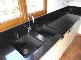 plan de cuisine en granit granite noir plan de travail en granit noir poli brillant granit