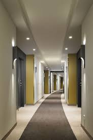 Corridor Decoration Ideas by Best 25 Hotel Hallway Ideas Only On Pinterest Hotel Corridor