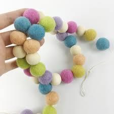 tapis boule feutre achetez en gros vert perl u0026eacute guirlande en ligne à des