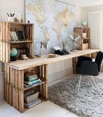 bureau palette bois photo une bureau en palettes en bois