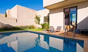 chambre d hotel avec piscine privative réception privée à marrakech dans un hôtel de luxe avec piscine