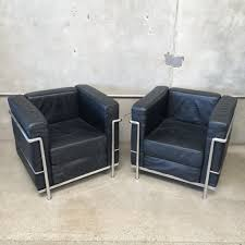 set of le corbusier lc2 lounge chairs u2013 urbanamericana