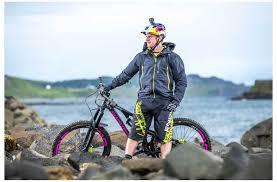 mtb rain jacket endura mt500 ii waterproof jacket cycling jackets evans cycles