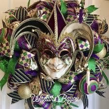 mardi gras things 12 things you ll need to throw a mardi gras party food