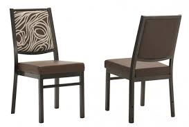 buy banquet chairs of elegant designs and get better comfort