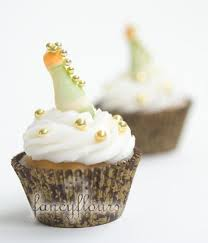 New Years Cupcake Decorating by 15 Festive New Year U0027s Cupcake Decorating Ideas Yummy Deserts