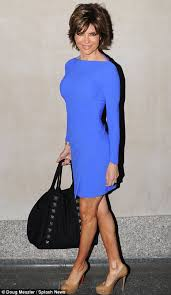 lisa rinna weight off middle section hair lisa rinna shows off her incredible figure in a series of form