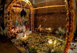 What Is The Meaning Of Interior De Los Muertos 2015 See The Meaning Behind The Altar
