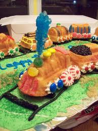 bb cakes train cake