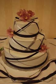 wedding cake ribbon wedding ribbon cake cake guru wisconsin tamara s the cake