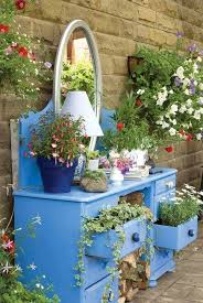 Craft Garden Ideas - 14 diy gardening ideas to make your garden look awesome in your