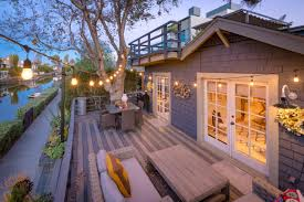 on your holiday wish list venice canals beach bungalow dream