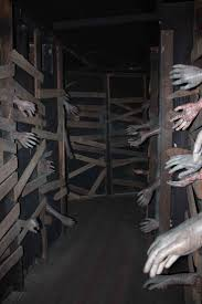 Halloween Party Room Decoration Ideas Best 10 Haunted Garage Ideas On Pinterest Haunted House