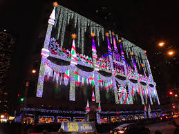 saks fifth avenue lights my purple world ww saks fifth avenue holiday light show 2017