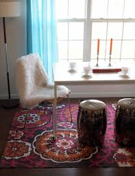 Furniture How To Choose The Perfect Dining Room Rug Loveyourroom The Right Rug For Foyers Dining Rms