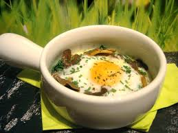 cuisiner des chanterelles la cuisine de damien oeuf cocotte aux chanterelles et au cantal