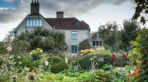 charleston home of the bloomsbury group in sussex firle near