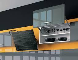 cuisine noir et jaune cuisine illusion lune d eau carbone jaune perene lyon
