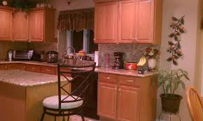 Kitchen Cabinet Forum Does Dining Table And Kitchen Cabinets Have To Match Maple