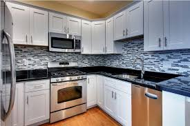 shaker kitchen ideas white shaker kitchen cabinets with granite countertops ideas