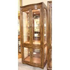 Lighted Display Cabinet Curio Cabinet High End Used Furnitureel Heritage Corinthian