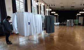 bureau de vote presidential legislative elections and politics holding the
