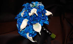 blue lilies horizon blue hydrangea calla bridal bouquet destination
