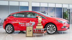 opel car astra winning streak extended opel astra car of the year in south africa