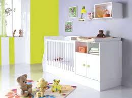 fabriquer déco chambre bébé creer deco chambre bebe diy un rideau de pompons creation deco