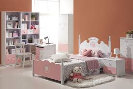 Tween Bedroom Sets by Fancy Bedroom Furniture For Kids With Pink Closet And Twin Bedding