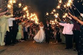 sparklers for weddings why are 36 wedding sparklers the most popular choice