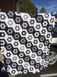 best 25 hexagon quilt pattern ideas on pinterest hexagon quilt