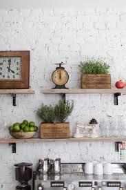 Pinterest Kitchen Decorating Ideas by Best 25 Kitchen Shelf Decor Ideas On Pinterest Kitchen Shelves