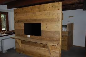 lade per armadi parete divisoria con assi di legno da ponteggio cabina armadio