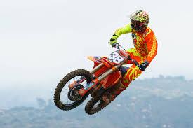 how much do pro motocross riders make 250 words 250mx team guide motocross racer x online