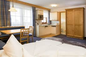 apartments hotel garni montana rooms and apartments in ischgl