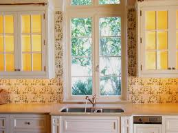 get your kitchen bathed with awe with the touch of gorgeous