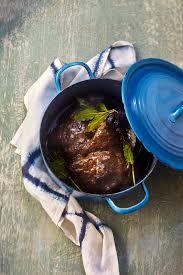 comment cuisiner une joue de boeuf mloukhiya aux joues de boeuf pour 8 personnes recettes à table