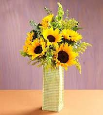 Centerpieces With Sunflowers by Sunflower Wedding Centerpieces Via Miriam Campos Clothing