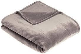 plaid gris pour canapé amazonbasics plaid en peluche effet velours pour le canapé gris